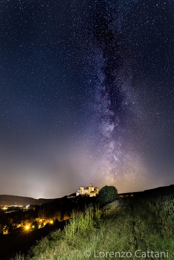6/9/2019 il Centro Galattico della Via Lattea ripreso a fianco del Castello di Torrechiara (PR)