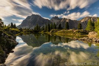il Lagazuoi si specchia nel lago